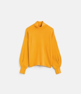 Yellow puff sleeve jumper.